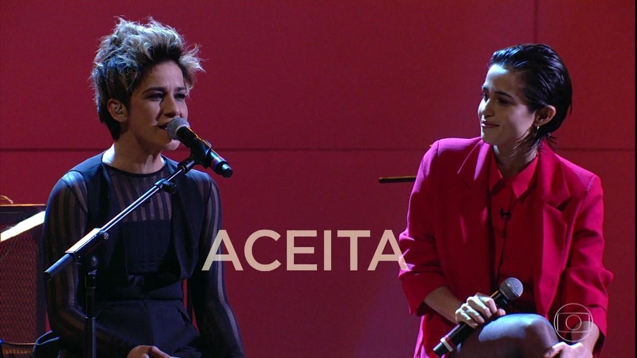 Lan Lanh e Nanda Costa cantam 'Não é Comum Mas é Normal'