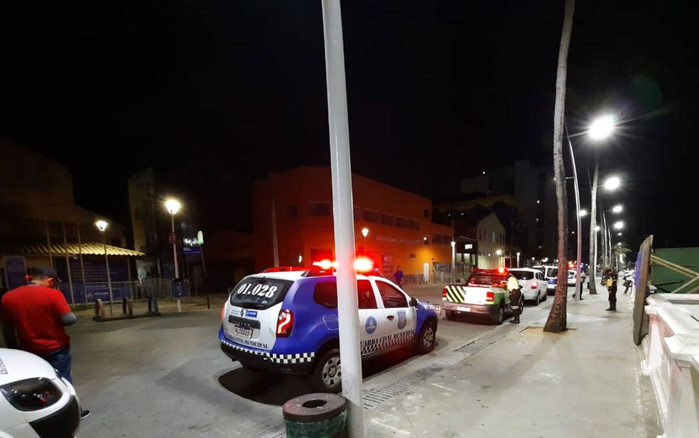Toque de recolher volta a ser das 20h às 5h a partir de segunda-feira (5) — Foto: Dalton Soares/TV Bahia