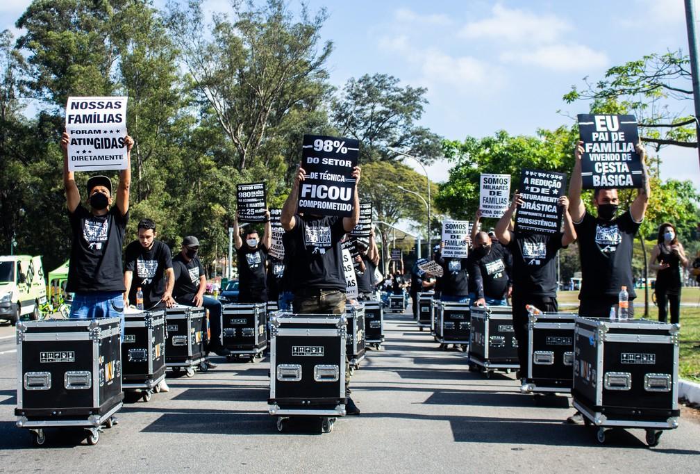 Técnicos de som, luz e imagem de eventos se manifestam em SP por protocolos  para volta ao trabalho | São Paulo | G1