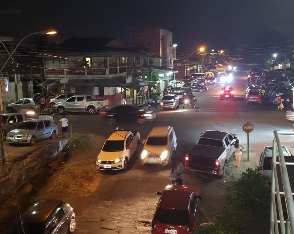 Moradores reclamam de baderna e barulho em rua de acesso à orla de Macapá; VÍDEO