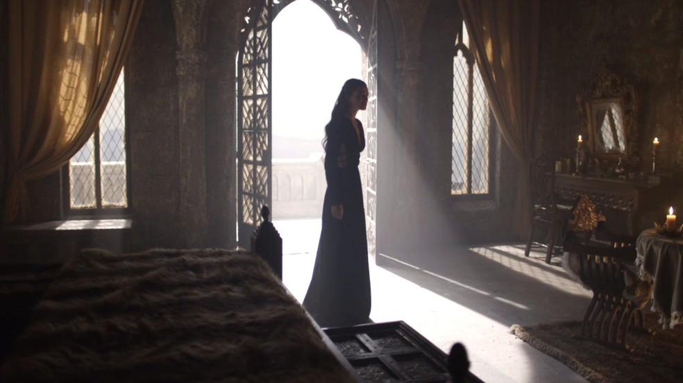 Catarina revela a Augusto que sua mãe é bruxa (Foto: TV Globo)