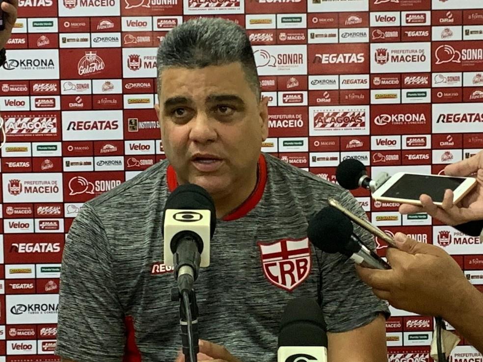 Marcelo Cabo destacou consistência defensiva do CRB — Foto: Fernando Paiva/TV Gazeta
