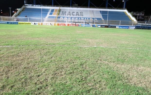 Grama do Moacyrzão recebe ajustes, mas segue desagradando jogadores
