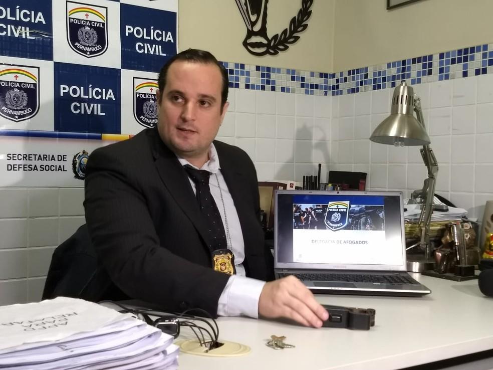 Delegado Igor Leite apresentou detalhes da investigação nesta quarta-feira (8) (Foto: Paulo César/Polícia Civil/Divulgação)