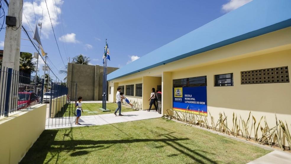 Escolas do Recife reabrem processo de matrícula a partir desta quarta-feira (26) — Foto: Andrea Rego Barros/ PCR