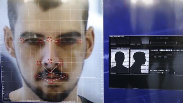 Sistema de reconhecimento facial para busca de criminosos (Foto: Fernando Frazão/Agência Brasil)
