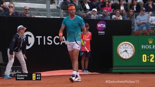 """Nadal dá """"pneu"""" inédito em Djokovic e conquista 9º título no Masters 1000 de Roma"""