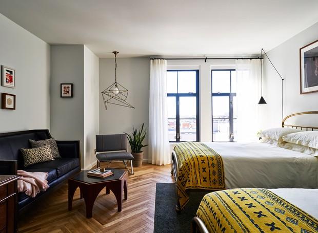 Os móveis diferem entre os quartos, garantindo designs únicos (Foto: Deezen/ Reprodução)