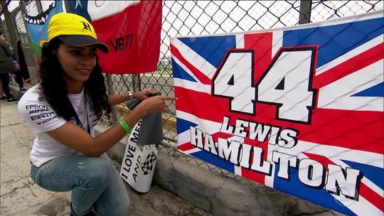 Fã viaja quase três mil quilômetros para GP do Brasil de Fórmula 1 e recebe recado de Hamilton; veja vídeo