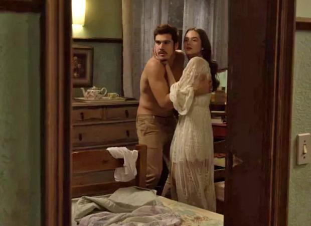 Marocas (Juliana Paiva) e Samuca (Nicolas Prattes) viajam e têm a primeira noite de amor (Foto: Reprodução/ TV Globo)