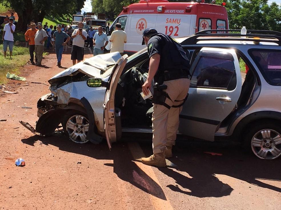 Três pessoas morreram e três ficaram feridas após acidente na BR-369, em Bandeirantes, segundo a PRF — Foto: Cléverson Rodrigues/Rádio Cabiúna