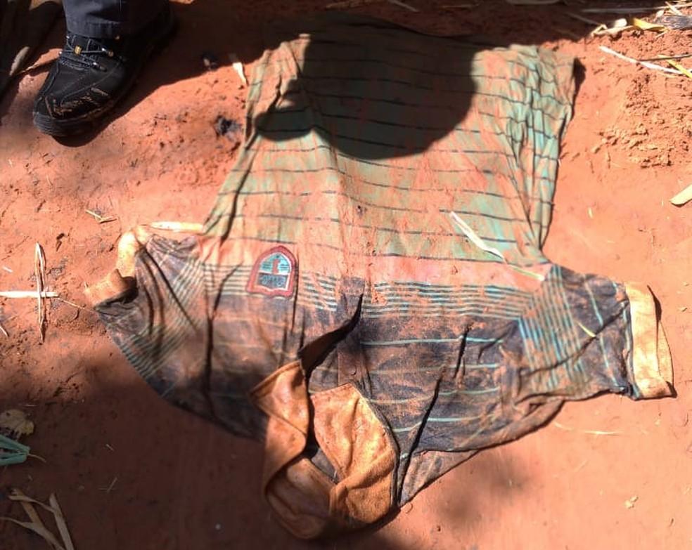 Cadáver foi encontrado dentro de córrego em Presidente Prudente nesta quarta-feira (2) — Foto: Polícia Civil