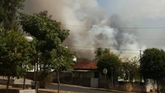 Incêndio de grandes proporções atinge área na zona rural de Tabatinga