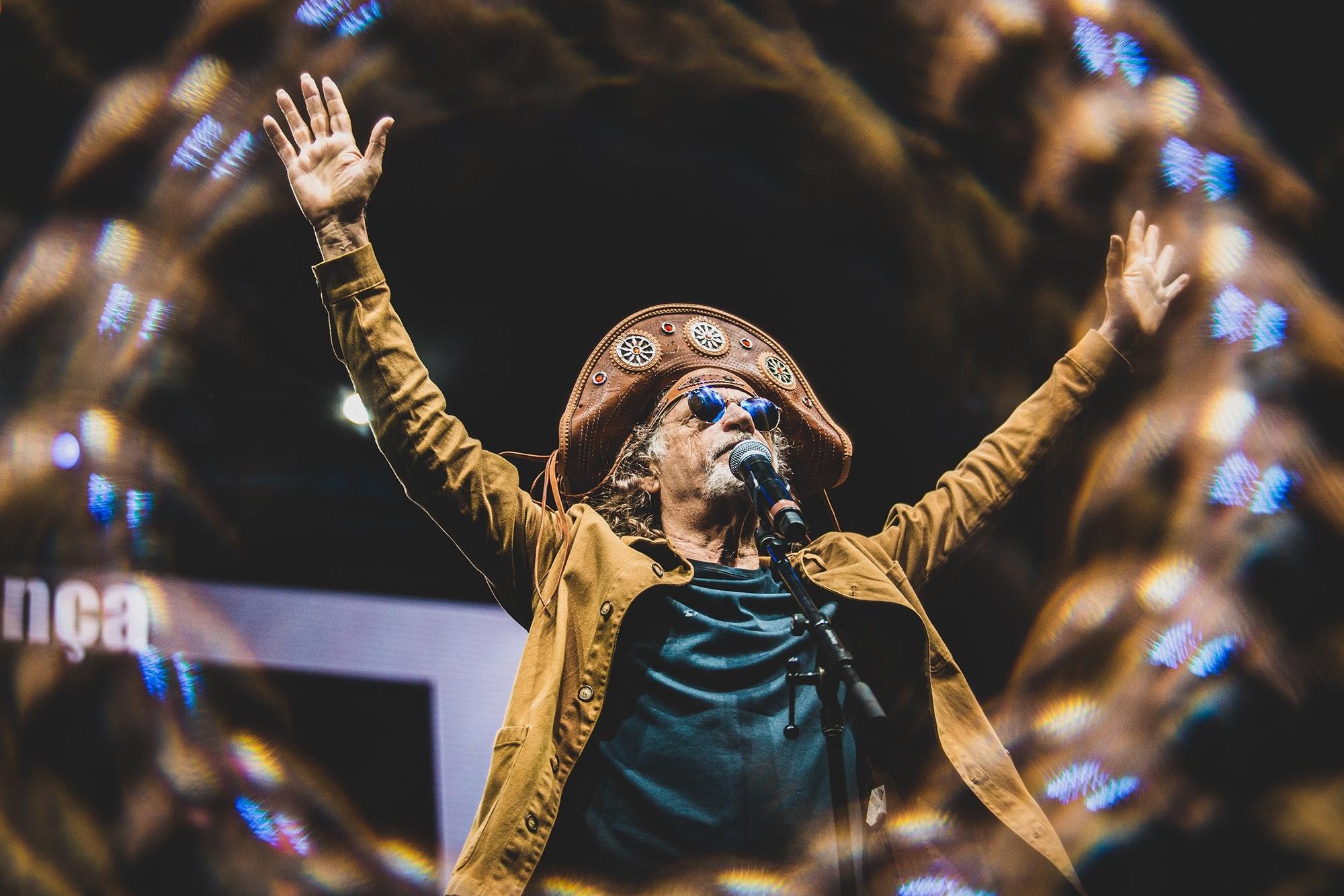 Lives de hoje: Alceu Valença, Joelma, Sepultura, Fábio Brazza e mais shows para ver em casa