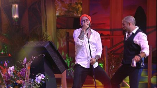 Caruso e Kaysar fazem performance ao som de 'Sua Cara'