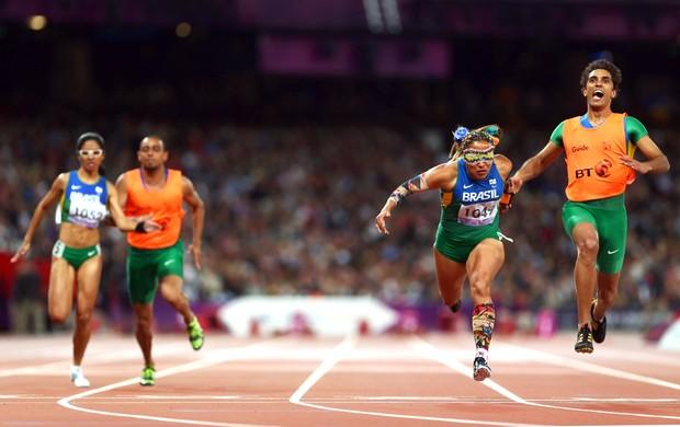 Terezinha Guilhermina e Guilherme Soares, Jerusa Gerber e Luiz Henrique, Atletismo, Paralimpiadas (Foto: Agência Getty Images)