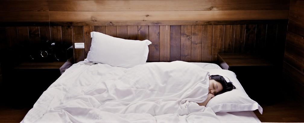103f2c74f Foto: Creative Commons Qual a posição ideal para dormir? — Foto: Creative  Commons
