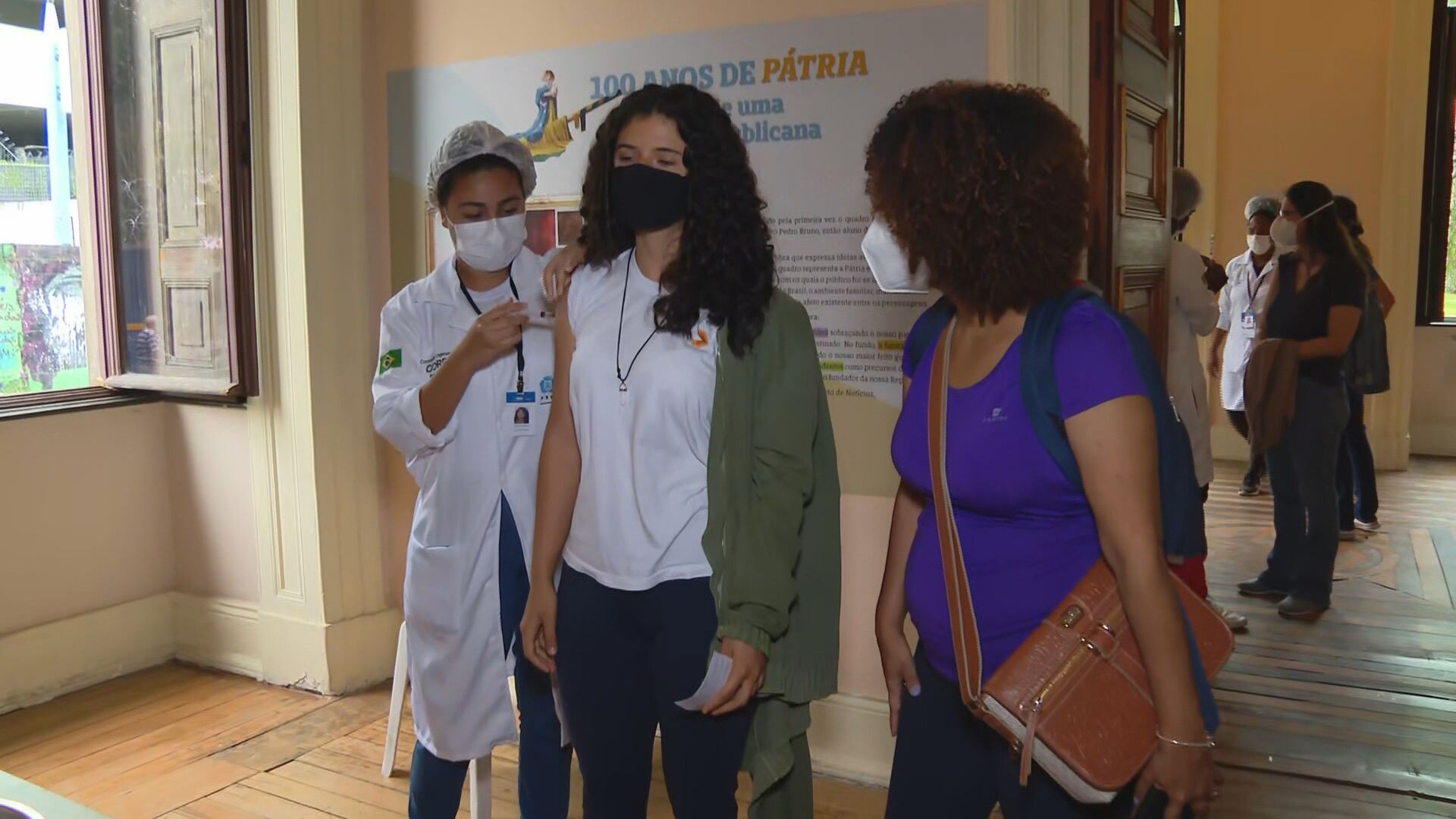 Governo do Rio defende vacinação contra a Covid em adolescentes e pede a volta da imunização