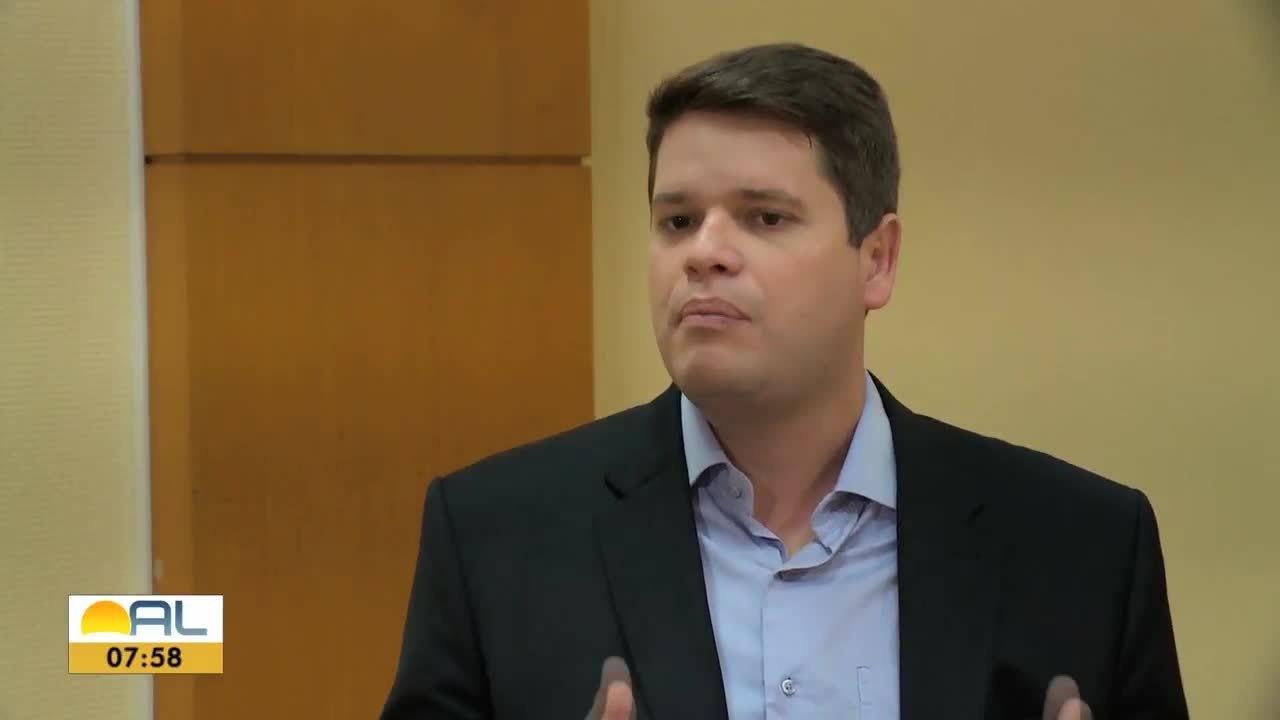 Davi Davino Filho, candidato à prefeitura de Maceió, é entrevistado pela TV Gazeta