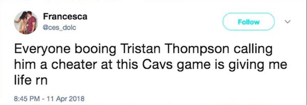 Um fã fazendo piada com as vaias contra Tristan Thompson e em solidariedade à socialite Khloé Kardashian (Foto: Twitter)