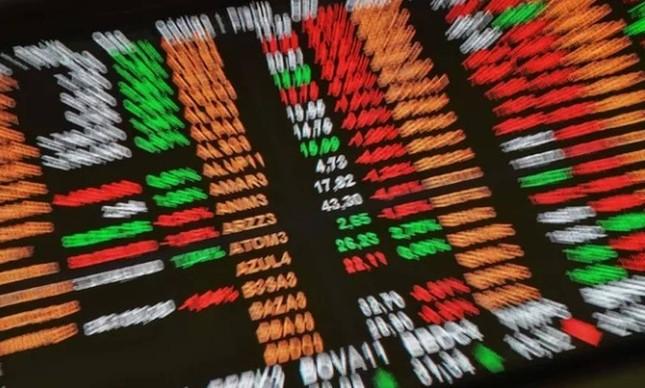 Painel da bolsa de valores: CVM começou a buscar informações sobre transação atípica