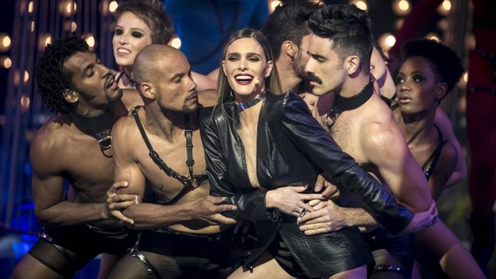 """Fernanda Lima e bailarinos do programa da TV Globo """"Amor e sexo"""" — Foto: Isabella Pinheiro/TV Globo/Divulgação"""