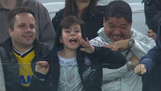 Renato Gaúcho dá bronca em pequeno torcedor do Corinthians que o xingava