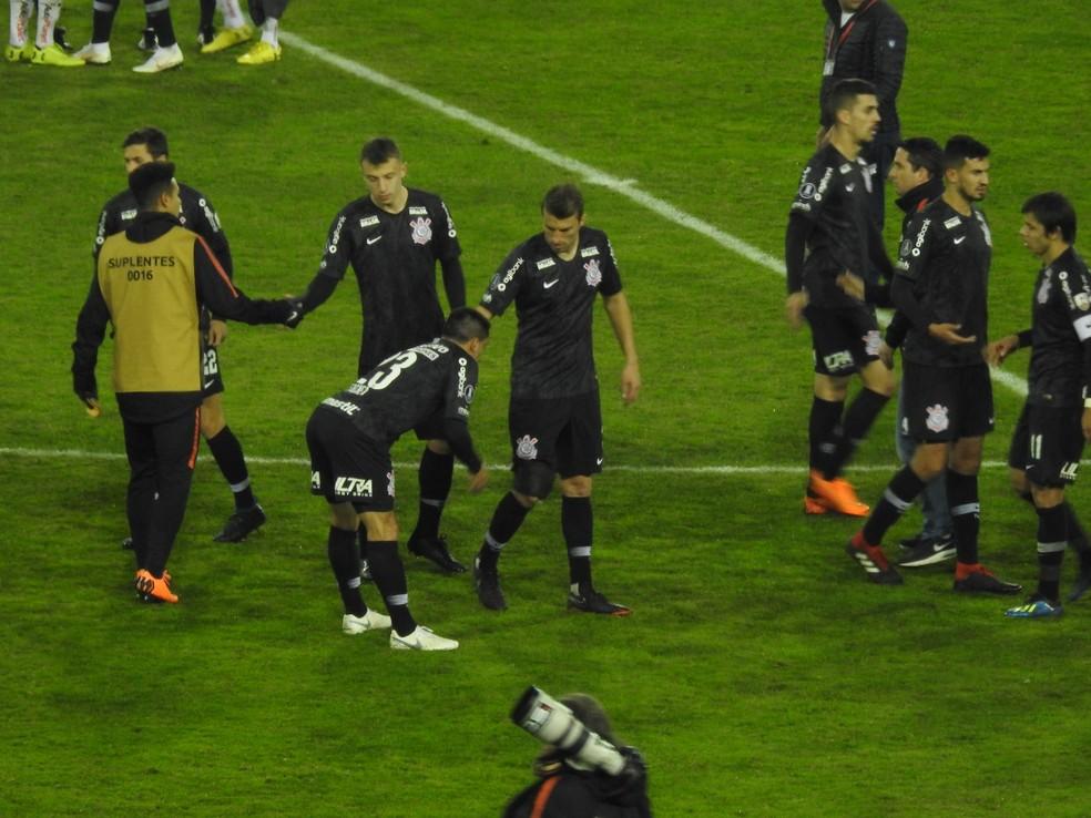 Henrique foi substituído pouco antes do apito final (Foto: Marcelo Braga)