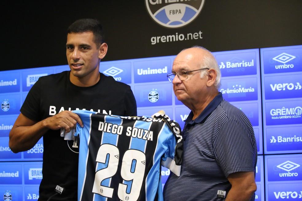Diego Souza usará a camisa 29 — Foto: Lucas Bubols / GloboEsporte.com