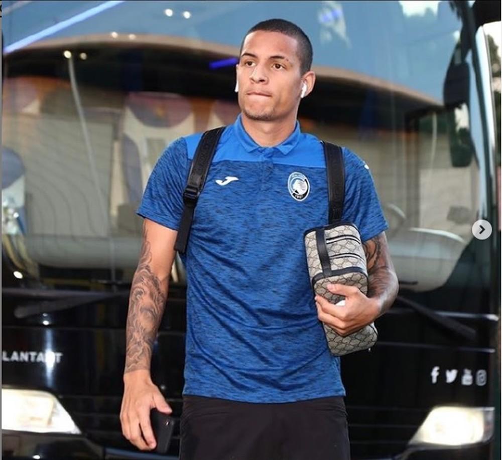 """Guilherme Arana promete voltar ao Corinthians e revela angústia no Sevilla: """"Bateu o desespero"""""""