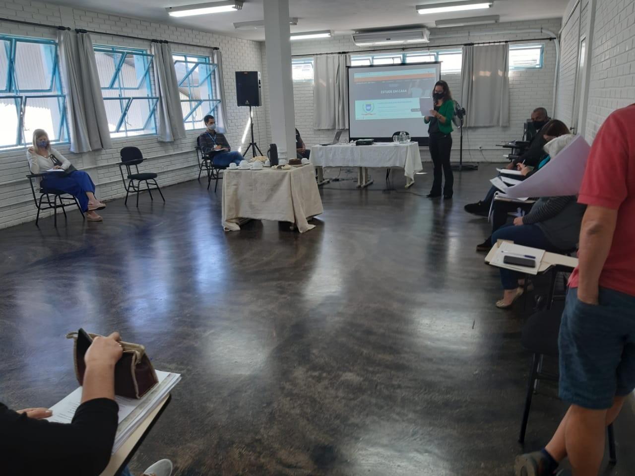 Conselho Municipal de Educação define data de retorno às aulas em Ipatinga
