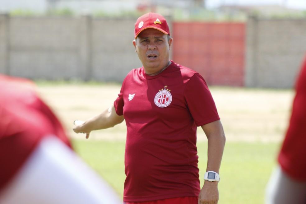 Evaristo Piza busca classificação para a final com o América-RN — Foto: Canindé Pereira/América FC