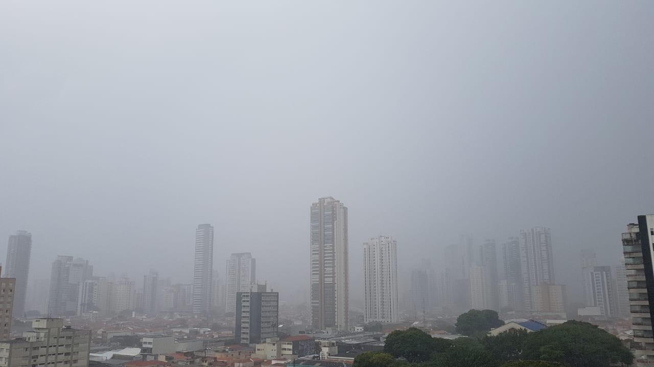 Chuva coloca regiões de SP em estado de atenção para alagamentos neste domingo