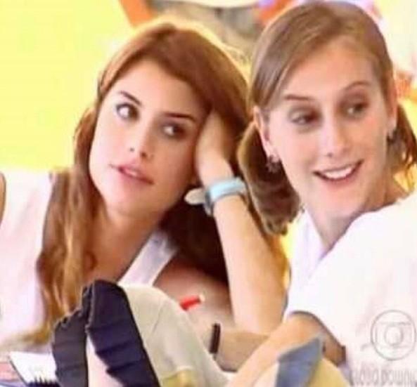 Clara (Alinne Moraes) e Rafaela (Paula Picarelli) em Mulheres Apaixonadas (2003) (Foto: Reprodução/Instagram)