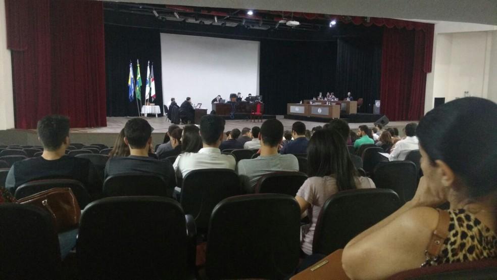 Julgamento de segurança é realizado nesta quinta-feira (31), em Umuarama (Foto: Alan Medeiros/RPC)