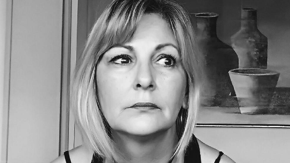 Depois de repreender um aluno de 15 anos, a professora Márcia Friggi foi agredida por ele e ficou com o rosto ensanguentado — Foto: Arquivo pessoal