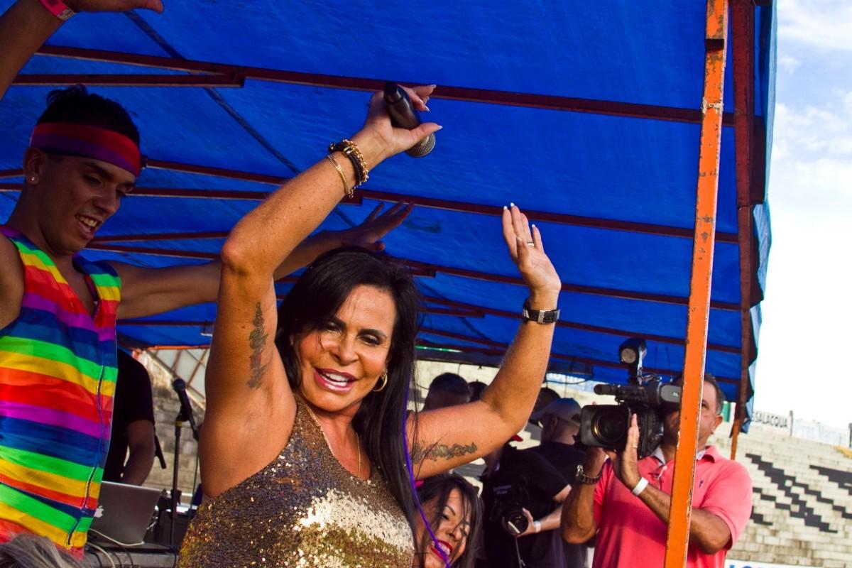 Gretchen se apresenta em bloco de carnaval nesta quinta, de graça, em Brasília
