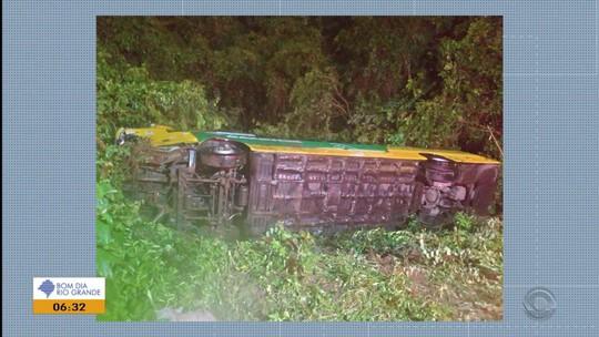 Motorista morre em acidente entre caminhão e ônibus na ERS-122 em São Vendelino