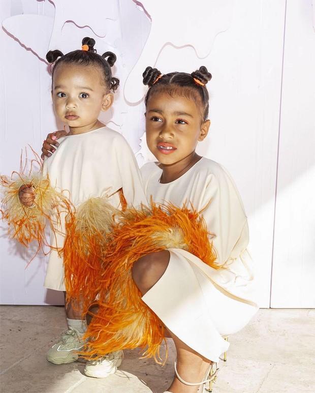 Chicago e North West, filhas de Kim Kardashian e Kanye West (Foto: Reprodução / Instagram)