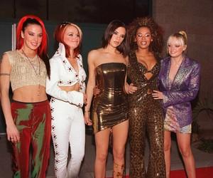 Spice Girls planejam regravar clipe de 'Wannabe' sem Victoria Beckham para celebrar 25º aniversário da música