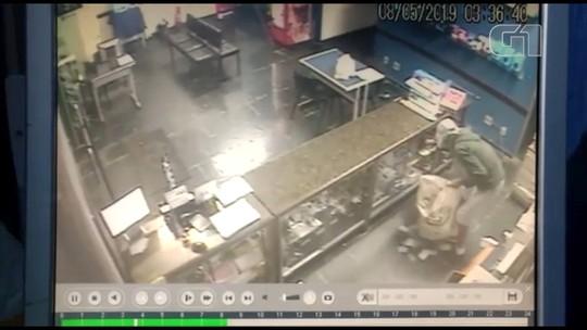 Ladrões invadem loja em Guaiçara e levam aparelhos eletrônicos; vídeo