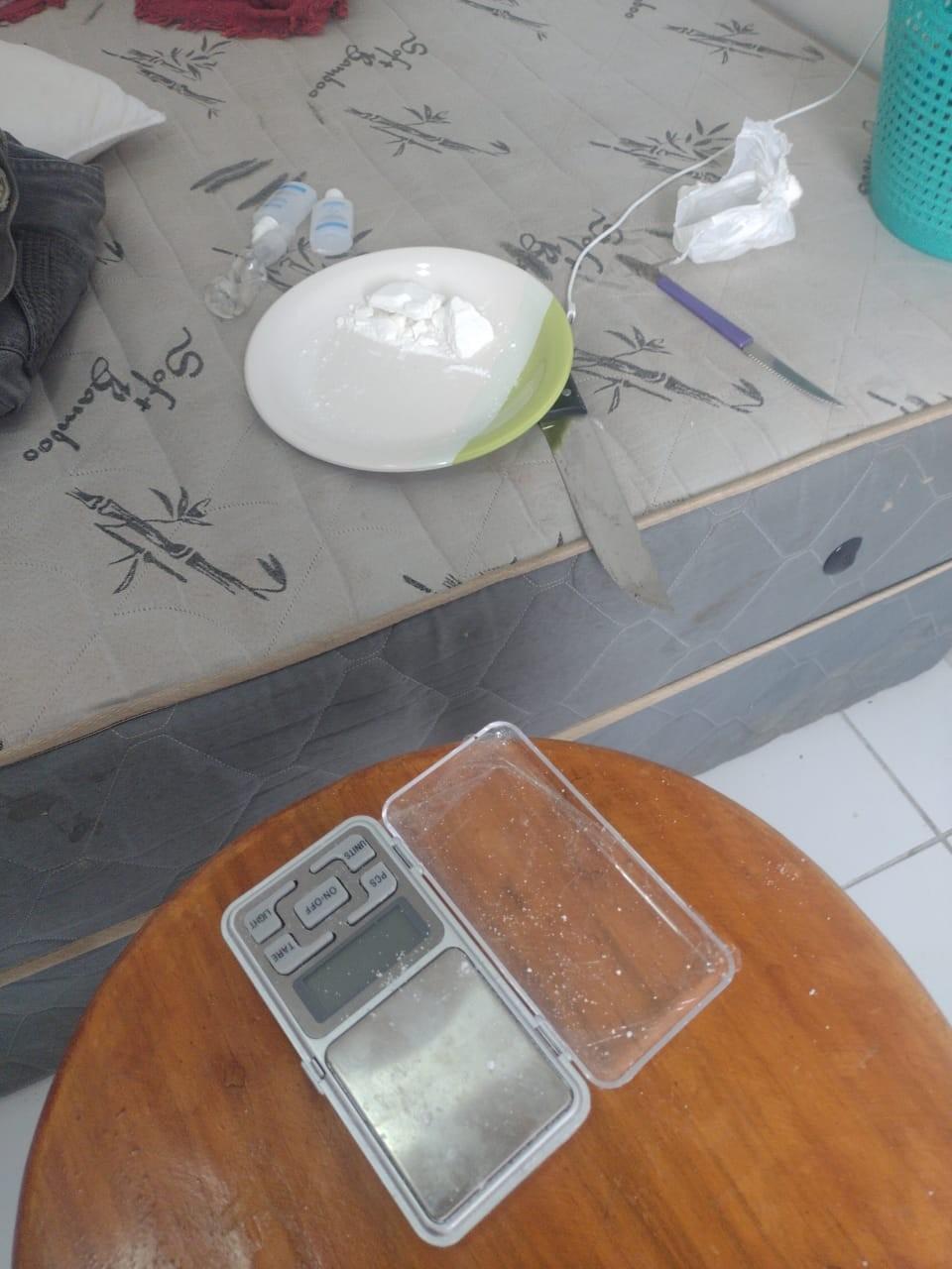 Suspeito de roubo a banco é preso com drogas em apartamento na Zona Norte de Teresina