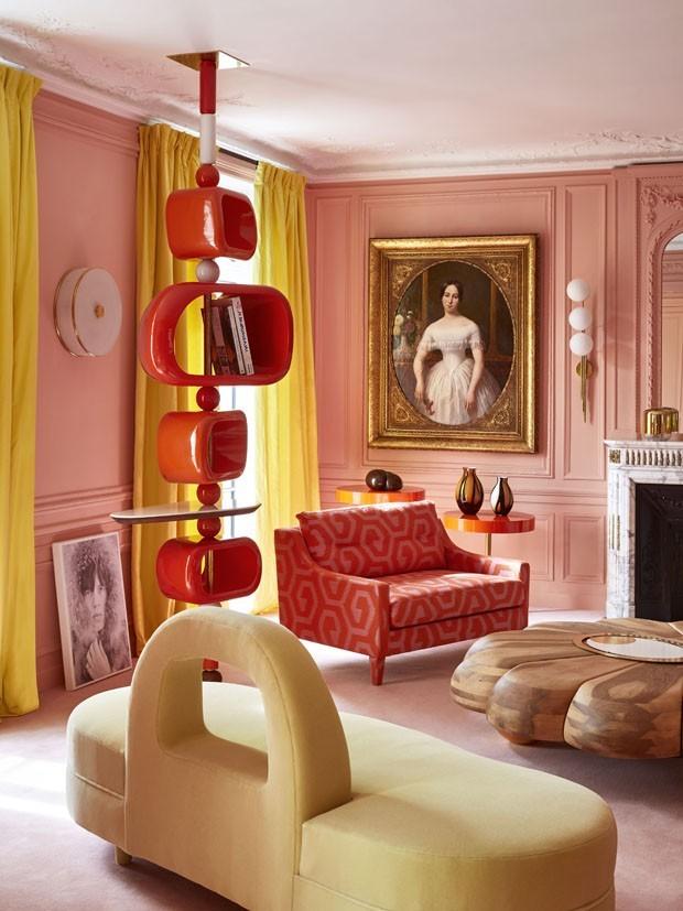 Décor do dia: Sala de estar lúdica com cores ousadas (Foto: ROUGE ABSOLU/DIVULGAÇÃO)