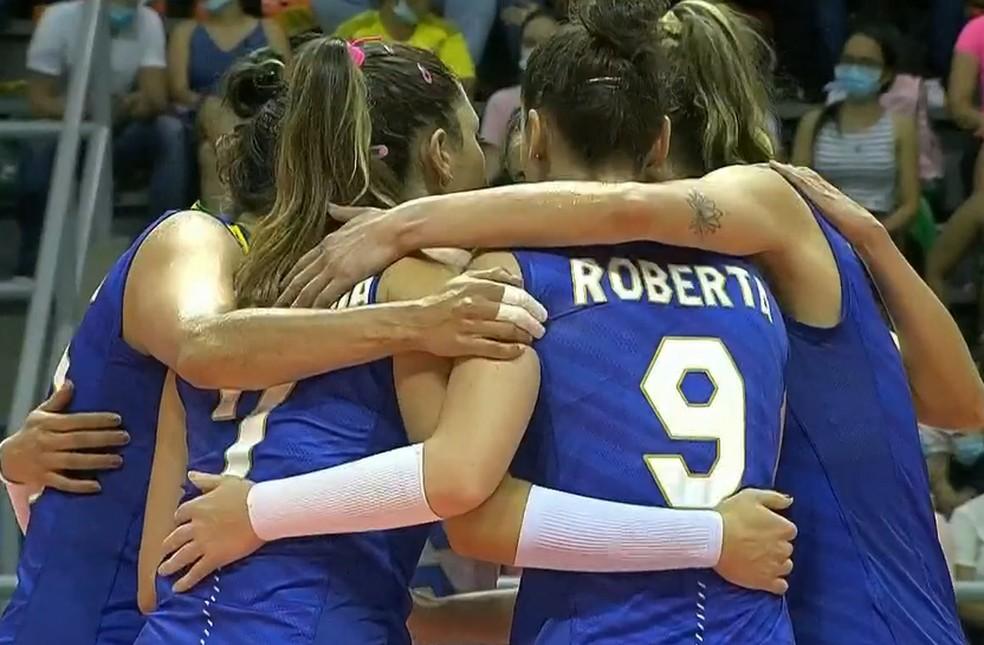 Brasil x Colômbia Sul-Americano feminino de vôlei — Foto: SporTV