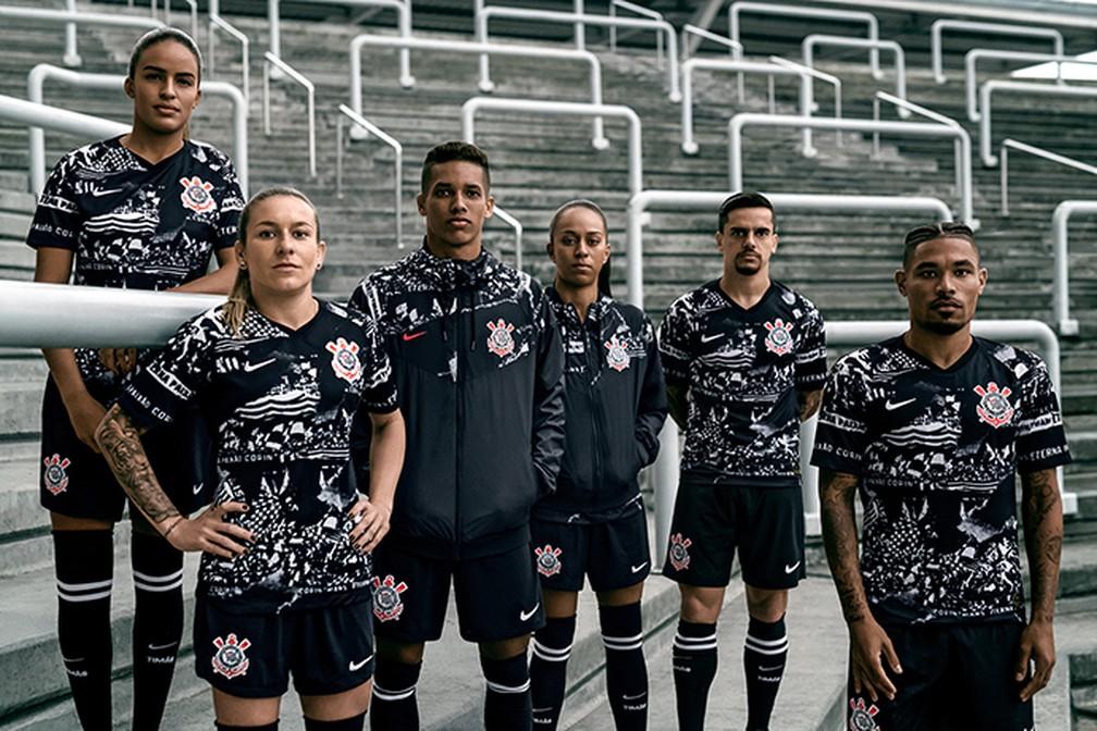 Fotos do lançamentoda nova terceira camisa do Corinthians — Foto: Divulgação