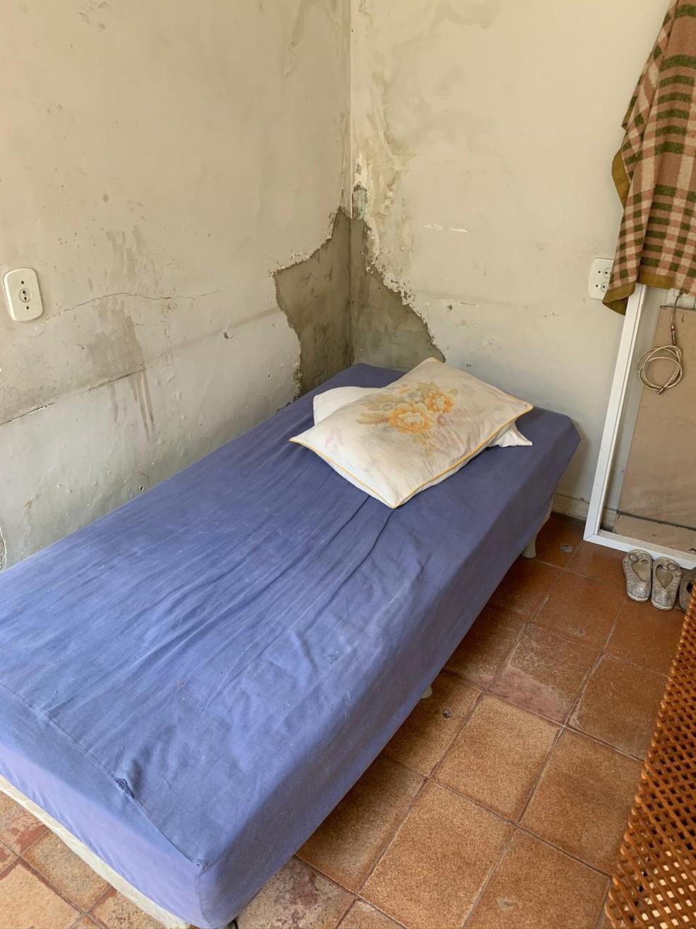 Empregada dormia em quarto sem luz no fundo de uma casa na Abolição — Foto: Reprodução/Arquivo Pessoal