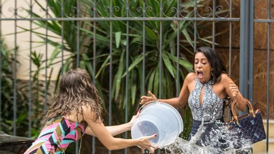 Cassandra e Dorinha entram em pé de guerra e deixam Bairro de Fátima de pernas para o ar