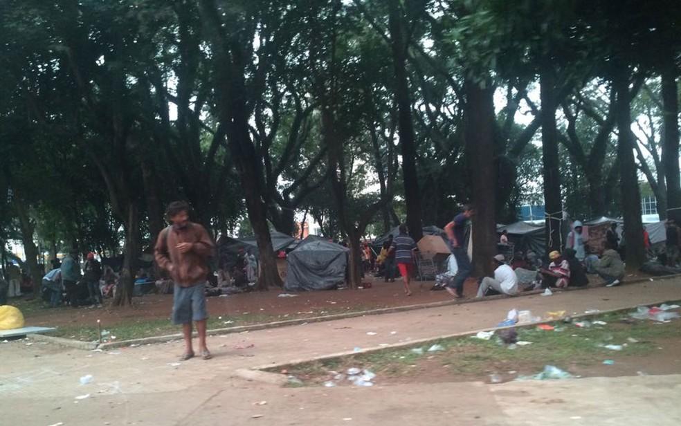 Praça Princesa Isabel, no Centro de SP, neste sábado (27), tomada por usuários de crack após ação da Cracolândia — Foto: Paulo Toledo Piza/G1