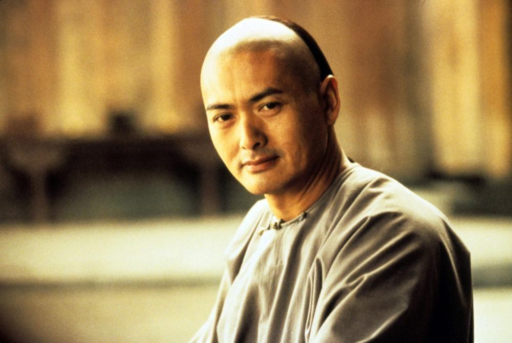 O ator Chow Yun-fat em cena de O Tigre e o Dragão (2000) (Foto: Reprodução)