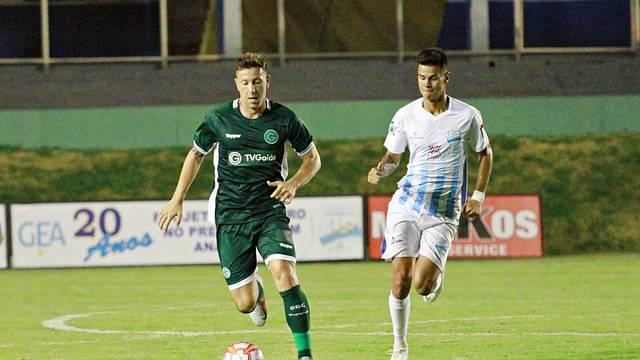 Fábio Sanches foi titular; zagueiro do Goiás não atuava desde o Goianão 2018